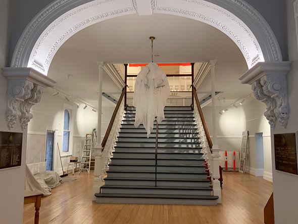 590-VAS-staircase
