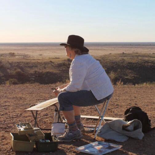 VAS Artist Louise Foletta painting plein air
