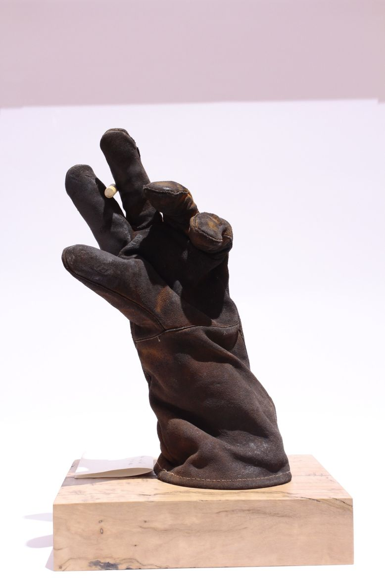 118A_Tahani_Shamroukh_Smoko_Used Worker's Glove_NFS